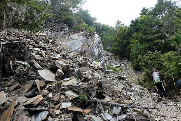 羊頭山登山步道3.6K羊頭山前鞍碎石坡