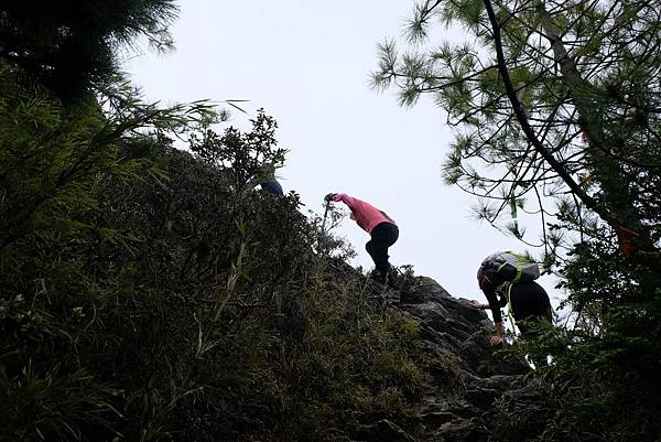 即將攀上山頂