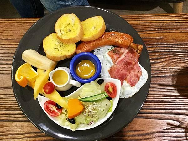 法蘭克福德式香腸早午餐A套餐($188)