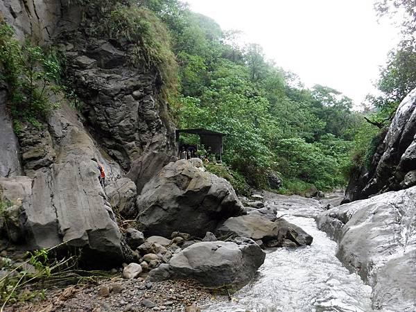 匯流處往龜丹溪下游方向