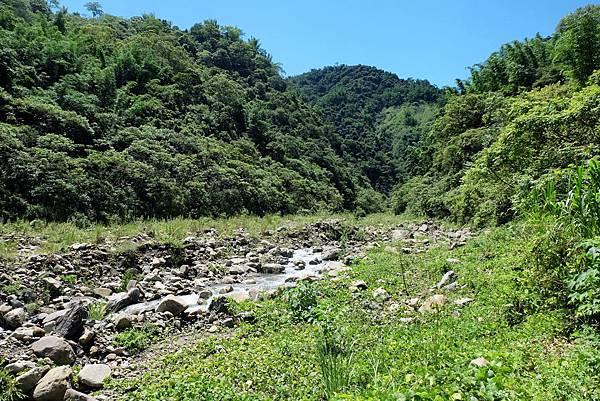 那托爾溪往上游方向