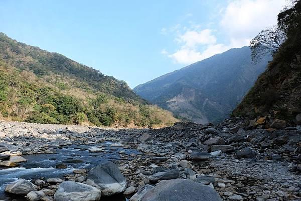 寶來溪河床風景