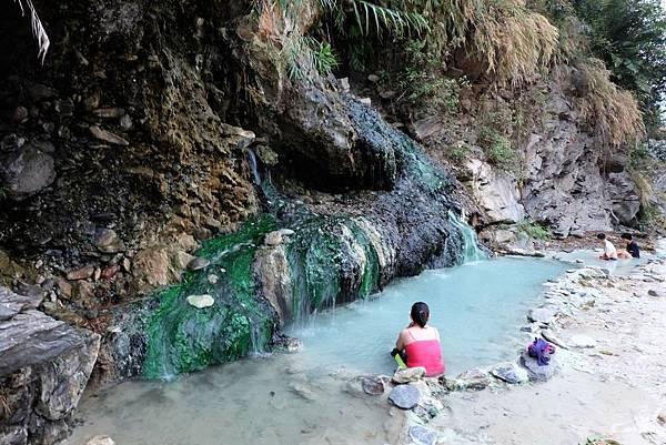 十坑野溪溫泉一景