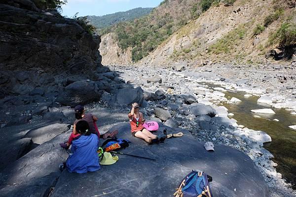 溯溪4.5K大岩石平台休息