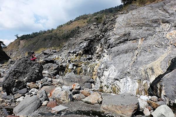十三坑野溪溫泉彩壁一景