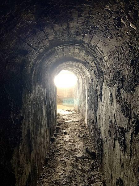 北砲台中層坑道-砲堡