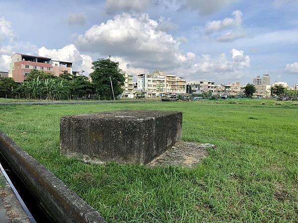 東邊荒地中的副塔拉線座墩遺跡