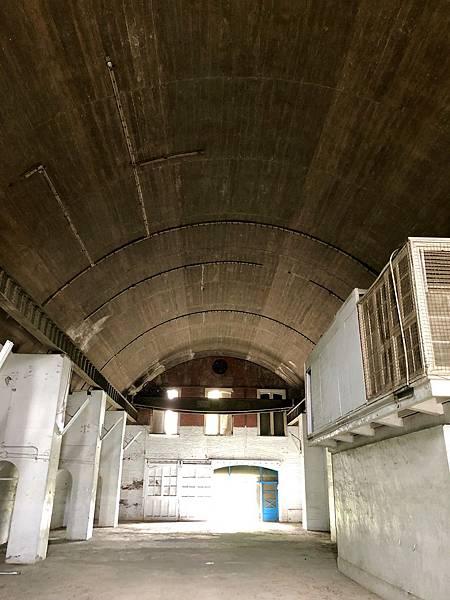 大碉堡西側筒形跨間內部