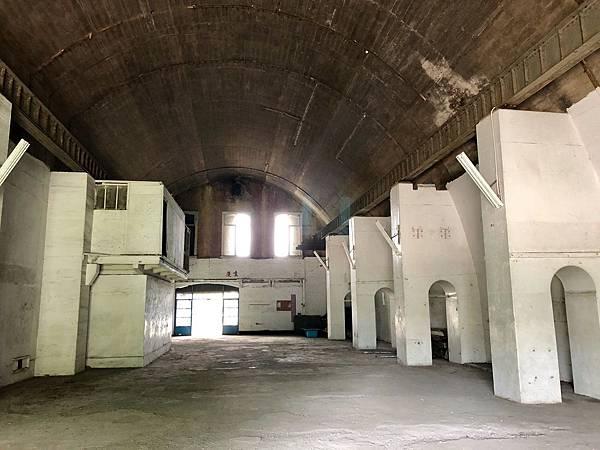 大碉堡西側筒形跨間內部扶壁柱