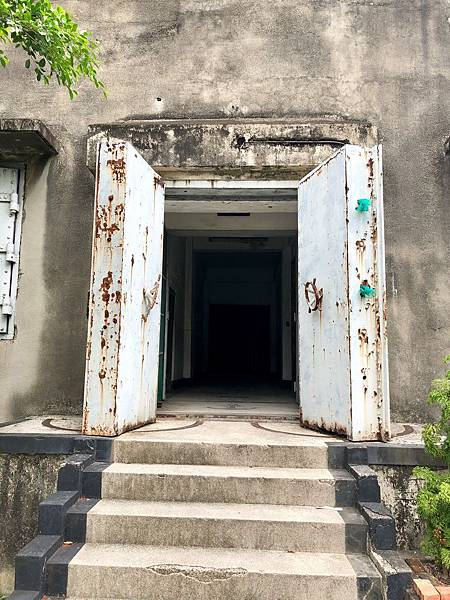 十字電台西端入口防爆門