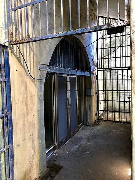 鼓山洞-東出入口鐵門