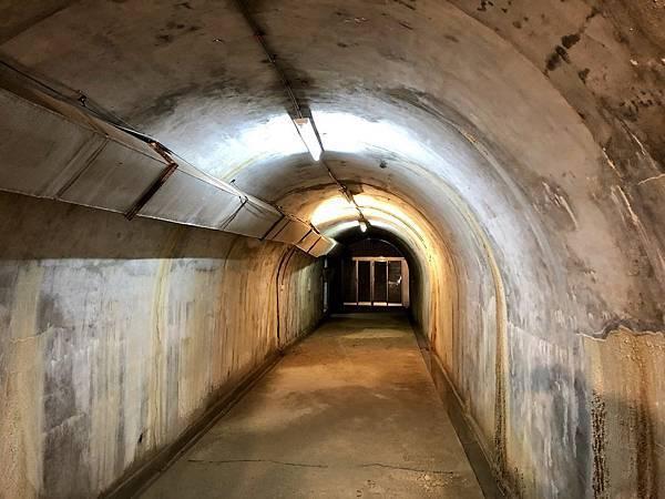 主坑道後段西出入口端