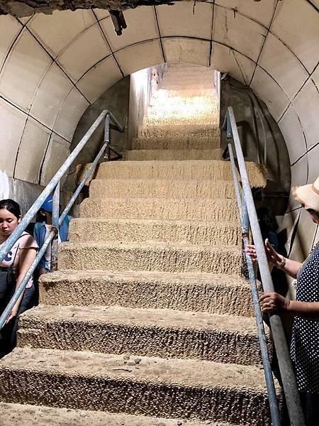 逃生通道階梯
