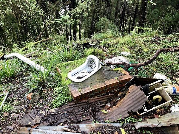 山林浴廁馬桶遺跡