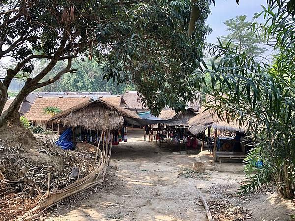 清萊「長頸族部落」入口