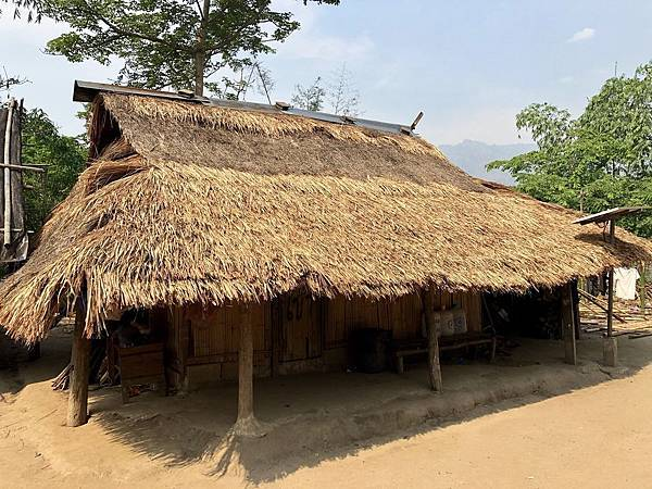 傳統茅草屋