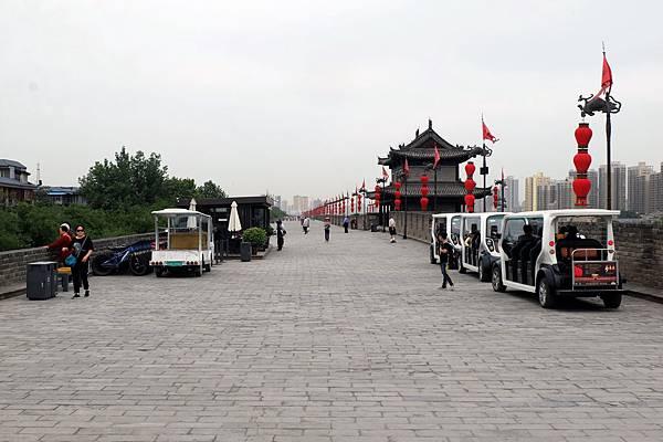 登臨西安城牆