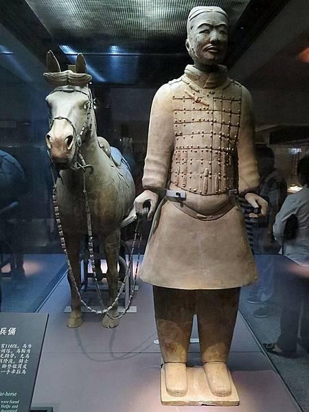 鞍馬騎兵俑