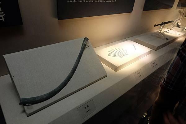 兵馬俑挖掘出的青銅兵器