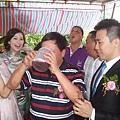 李維寧、豪邁飲酒。DSCF2117-fb