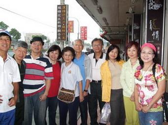 三輛車11位成員第一個會合點(龍潭交流道旁)