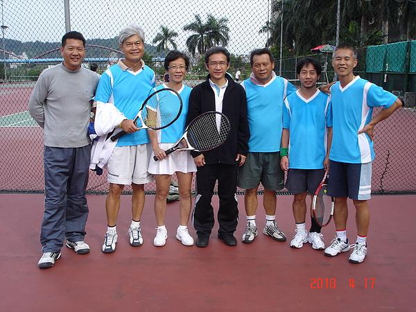 粗坑里網球隊