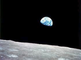 Earth Rise. Apollo 8 Dec.1968.jpg