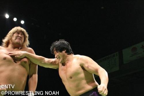 怎樣當摔角手