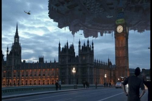 外星戰艦2.jpg