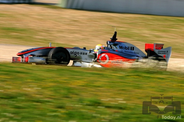MP4-24 Barcelona test.jpg