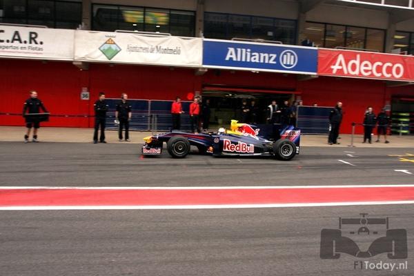 RB5-Barcelona test 031207.jpg
