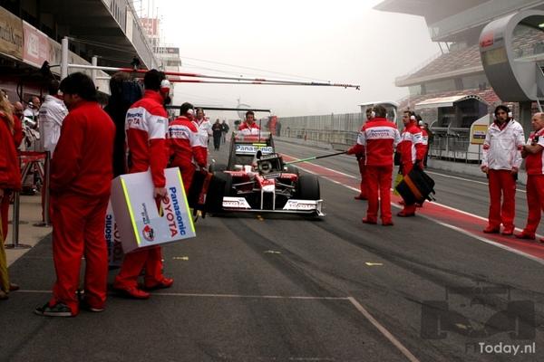 TF109 pit.jpg