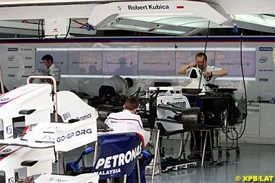 BMW Sauber Garage.jpg