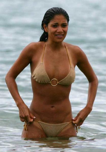nicole-scherzinger-Hawaii-bikini4.jpg