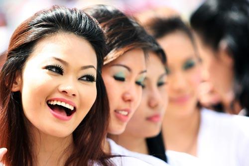 Grid girls on grand prix Sunday, Malaysian Grand Prix, Sepang.jpg