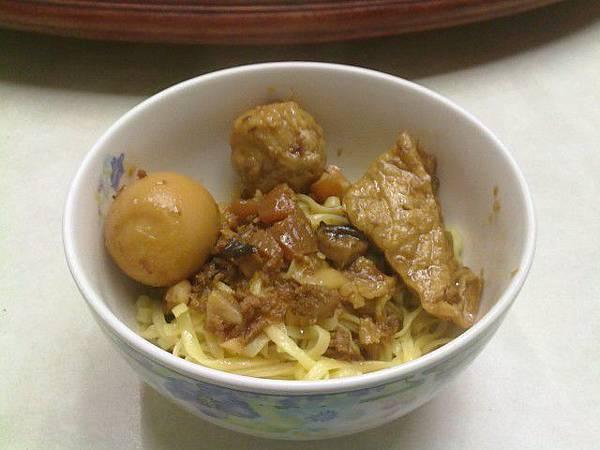 乾麵-滷肉丸子-豆乾.jpg