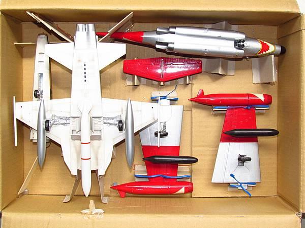 1/32 RF-5. 1/48 F-89D