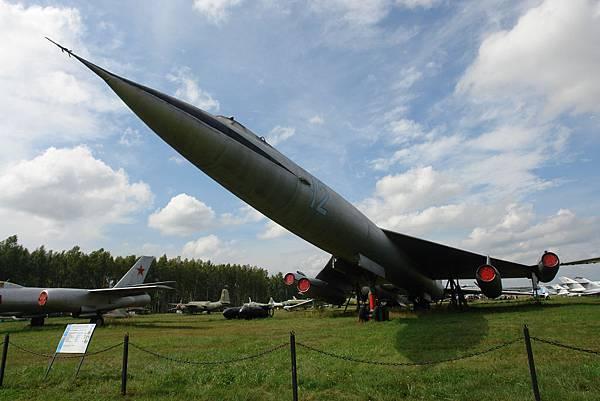 Myasischev_M-50_Bounder