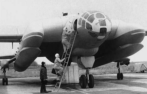 Bartini-Beriev-VVA-14-Monino-3.jpg