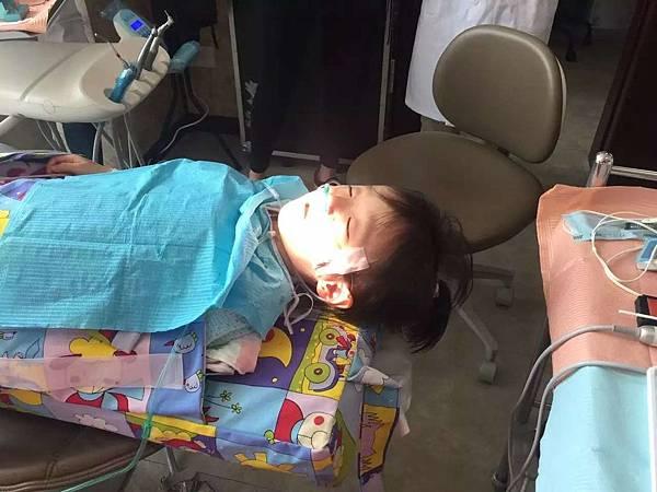 儿牙照片1.jpg
