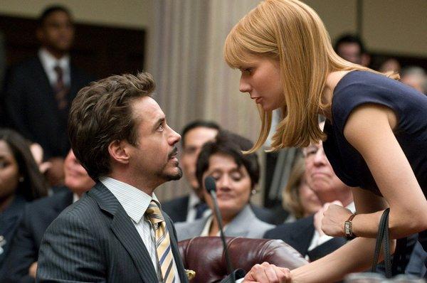 Tony與Pepper在聽證會上
