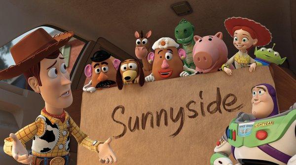 Woody在車上和同伴們解釋