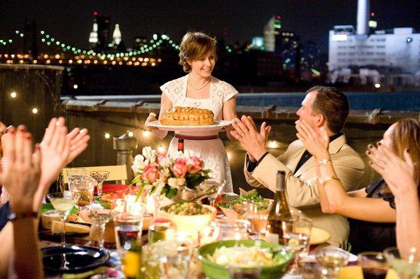 Julie完成一年524道料理的挑戰,和朋友一起慶祝