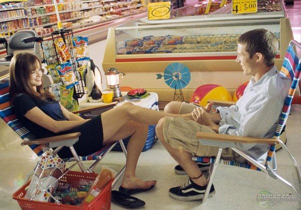 Ryden在Adam父親工作的超市中調情