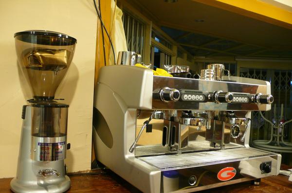 閃亮義式咖啡機進場!