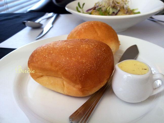 傑理-麵包.jpg