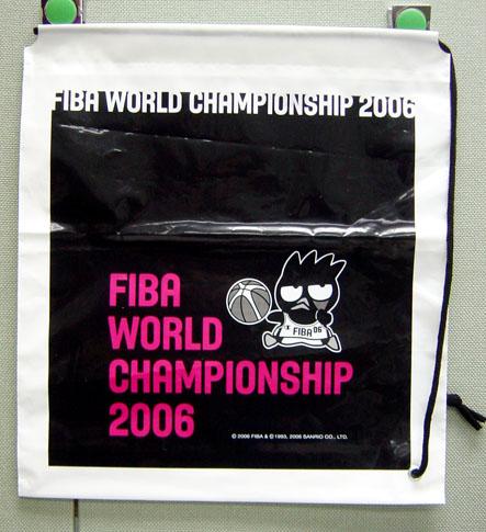 酷企鵝代言FIBA新產品-大型束口袋