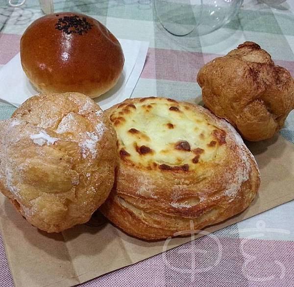 DONQ麵包、Laetitia泡芙.jpg
