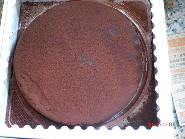 4月是甜甜蛋糕月,謝謝愛波姊姊,提拉米蘇好好吃