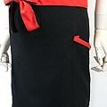 黑底紅配色半身圍裙2.jpg